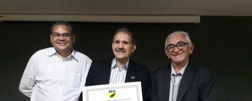 Florentino é homenageado com o Mérito Jornalístico do Sindjor